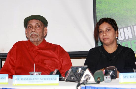 Ramakant Achrekar (left) with his daughter Kalpana Murkar