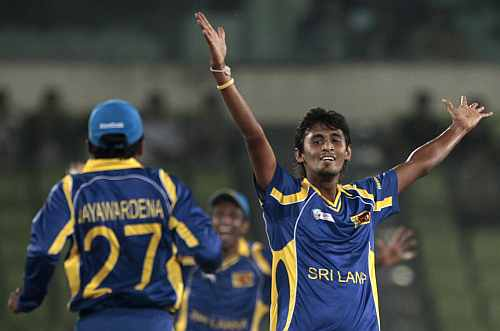 Sri Lanka's Suranga Lakmal celebrates after dismissing Pakistan's Younis Khan