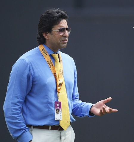 Bitter Akram blames pitch for Pakistan's ouster