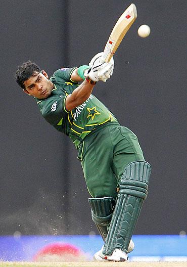 Umar Akmal fined for disrespecting umpires