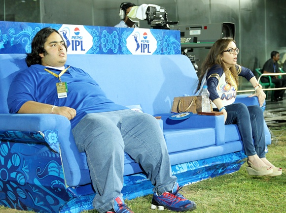 Nita Ambani with son