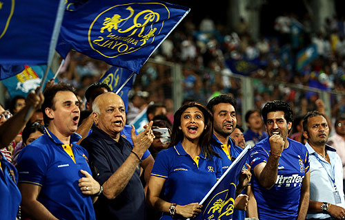 Rajasthan Royals' Shilpa Shetty and husband Raj Kundra cheer the team during their IPL match against Pune Warriors India on Thursday