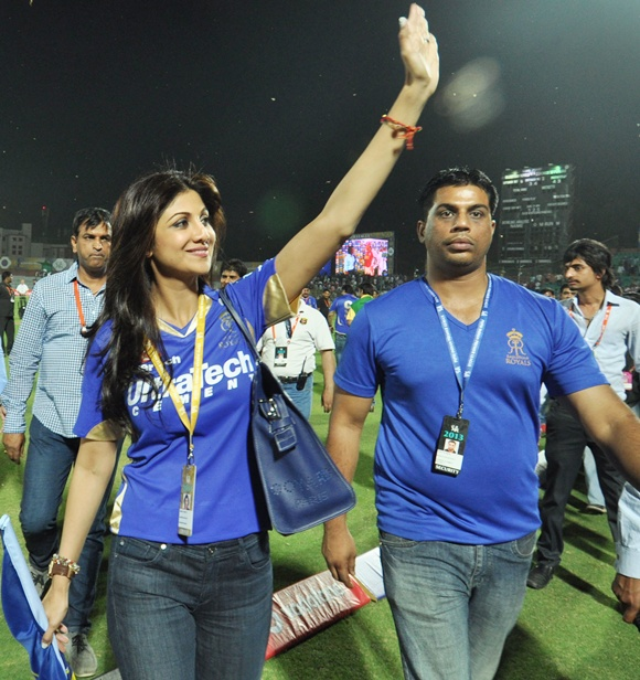 IPL PHOTOS: Who sizzled, Shilpa or Preity? Tell us!