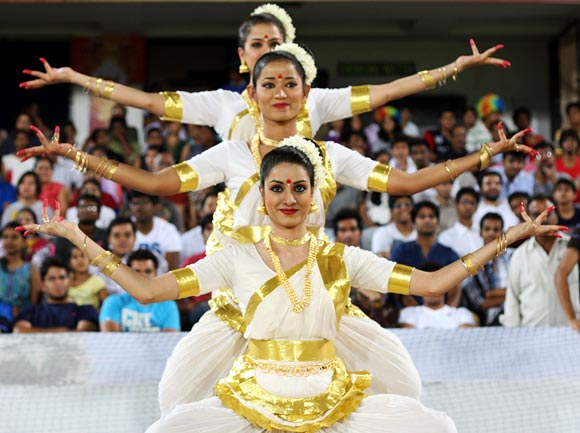 The sexiest cheerleaders in the IPL
