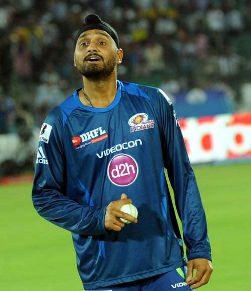 Tough to bowl to an unknown batsmen: Harbhajan