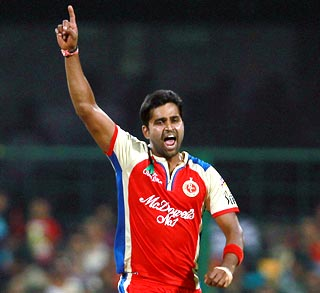 Vinay, RP Singh help Bangalore crush Rajasthan