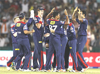 IPL: Pune lose to Delhi, slip to bottom of table