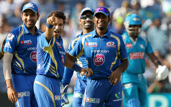 Sachin Tendulkar with Mumbai Indians teammates