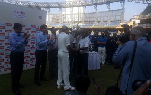 Wasim Jaffer picks up the Ranji Trophy title