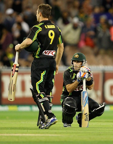 Glenn Maxwell and Shaun Marsh are dejected after failing to score off the last ball