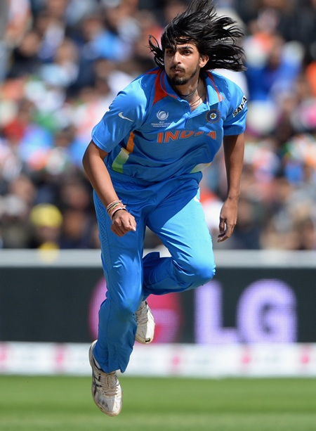 Ishant put India back on track in the final