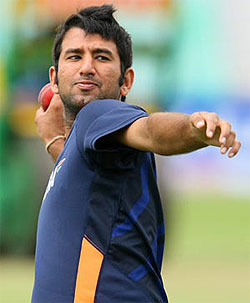 Pujara limps off after injury in nets