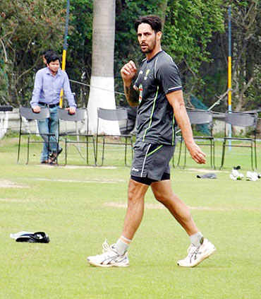 Mitchell Johnson bowling in the nets on Tuesday