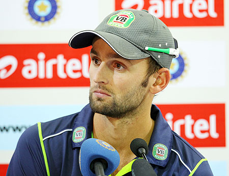 Lyon spins a web around India, says tough to chase 100