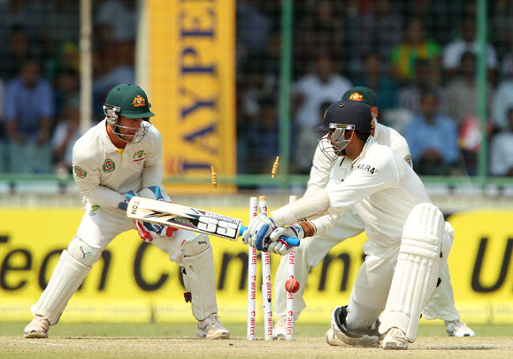 Murali Vijay is bowled by Glenn Maxwell