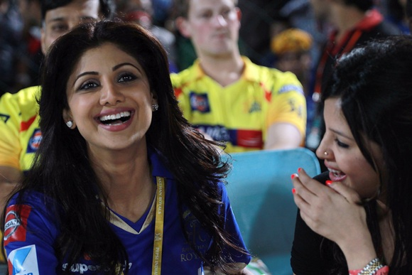 Shilpa Shetty with Sakshi Dhoni