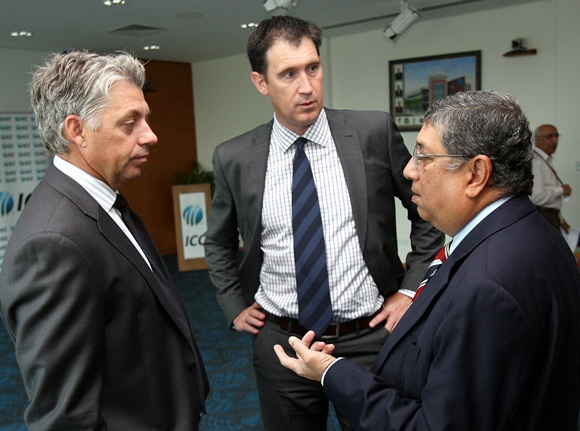 N. Srinivasan (right)
