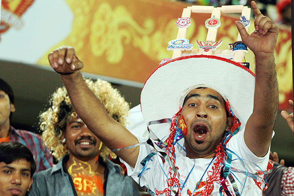 PHOTOS: Fans lend carnival feel to IPL!
