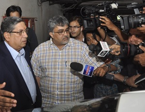 Srinivasan says he hasn't been asked to quit