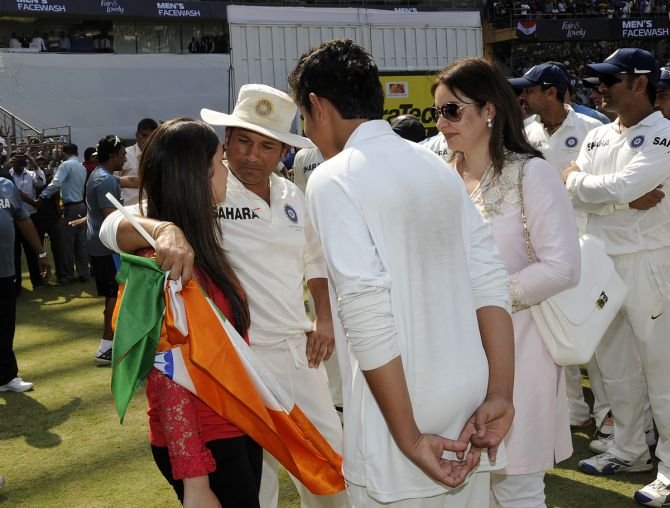 Sachin Tendulkar with his wife Anjali and kids Sara and Arjun
