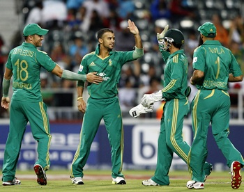 South Africa secure narrow win over Pakistan after rain