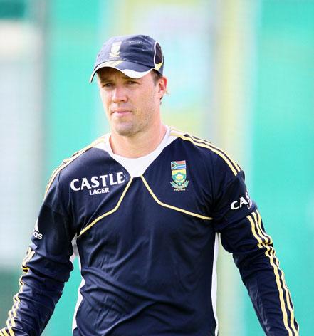 De Villiers edges Kohli to go top in ODI rankings