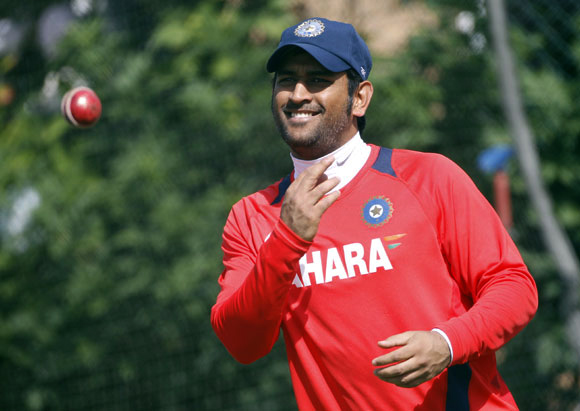 Dhoni and India on the cusp of record treble