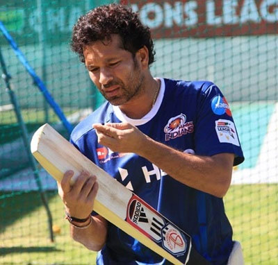 IPL EXTRAS: Sachin has a go in the nets at MI's training session