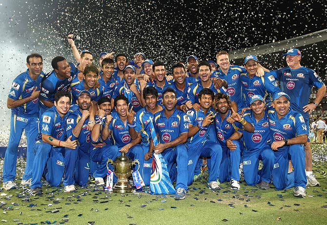 Whom did Mumbai Indians beat in the final to win the IPL 2013?