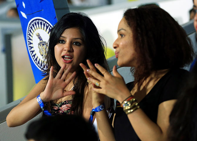 Sakshi Dhoni and Masaba Gupta chat while watching the match between Chennai Super Kings and Sunrisers Hyderbad on Sunday