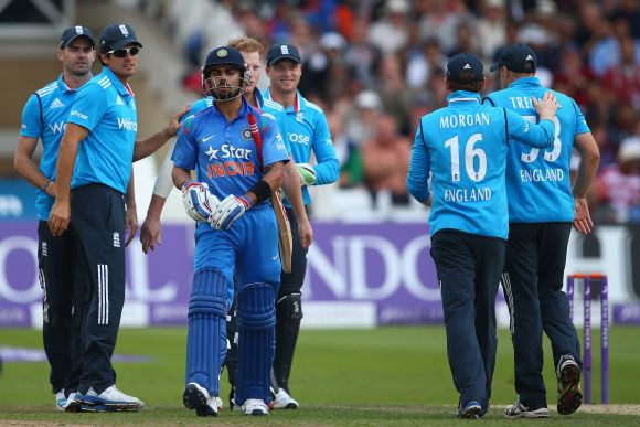 Kohli-Stokes involved in verbal spat in 3rd ODI
