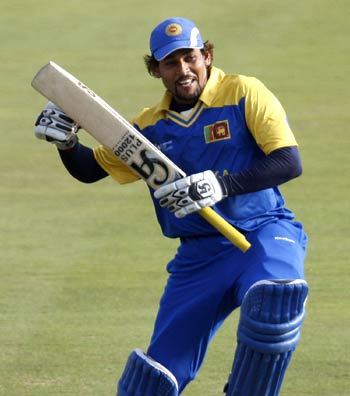 Dilshan doubtful for the Asia Cup