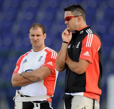 Andrew Strauss (left) with Kevin Pietersen