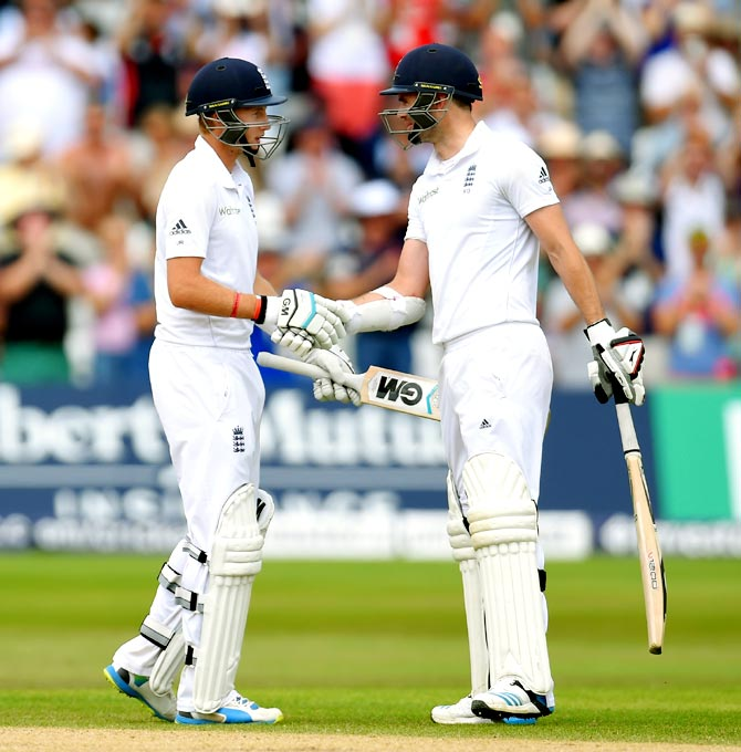 Joe Root (left) with James Anderson