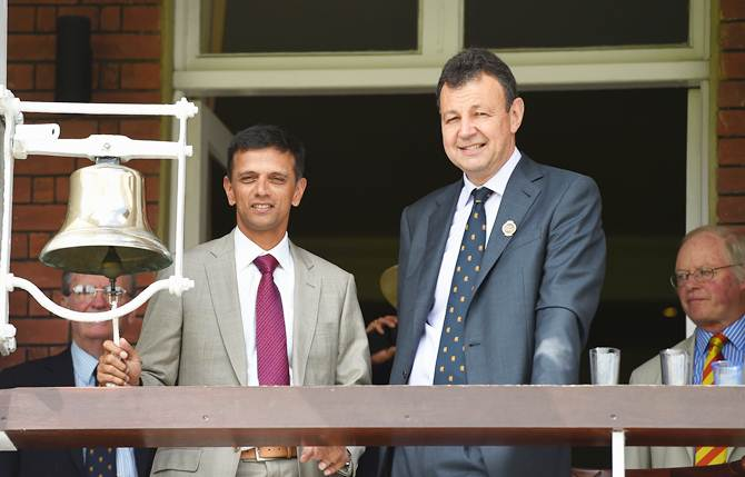 FIRST LOOK: Dravid rings bell on Day 1 of Lord's Test