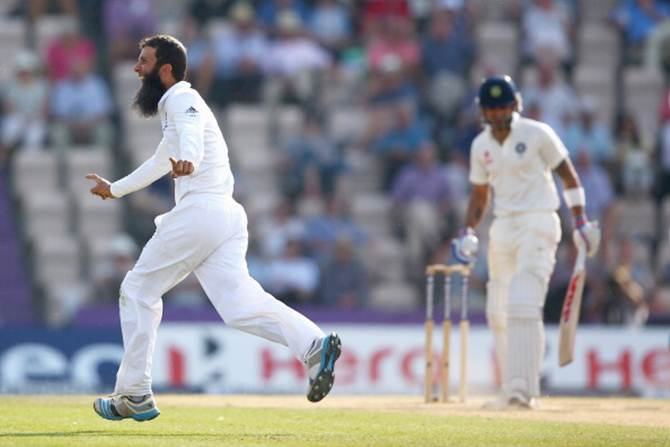 Moeen Ali celebrates after capturing the wicket of Virat Kohli during Day 4 of the third Test