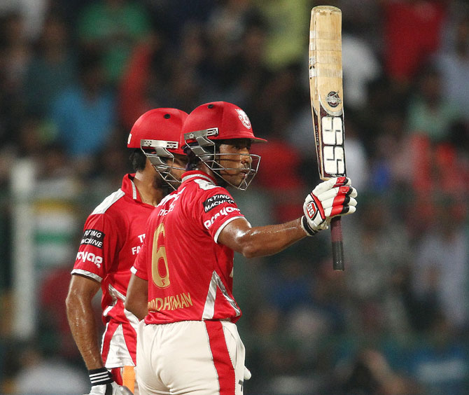 Wriddhiman Saha acknowledges the crowd