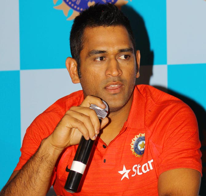 Finishing games at first opportunity will be crucial in England: Dhoni