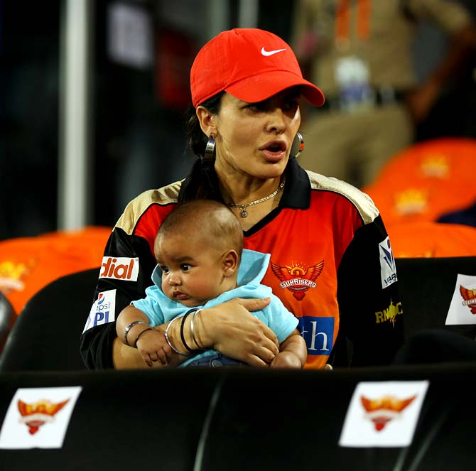 Shikhar Dhawan's wife Ayesha Mukherji with her son