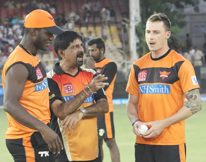From left, Darren Sammy with Krishnamachari Srikkanth and Dale Steyn