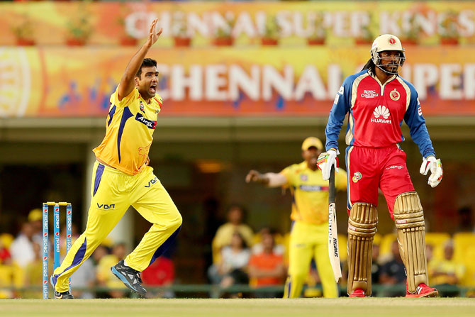 R Ashwin of Chennai Super Kings appeals as Chris Gayle of Royal Challengers Bangalore looks on