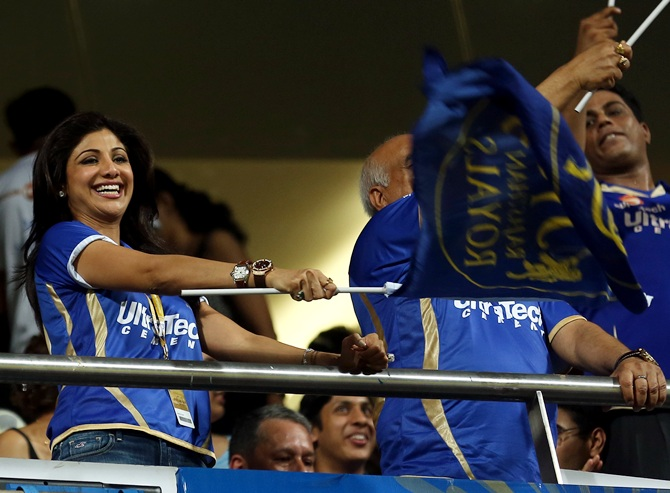 Shilpa Shetty cheers for her team.