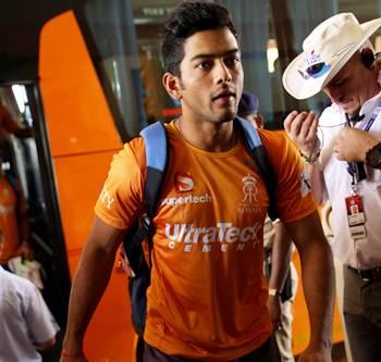 Mumbai Indians snare Unmukt, Vinay Kumar for IPL 2015