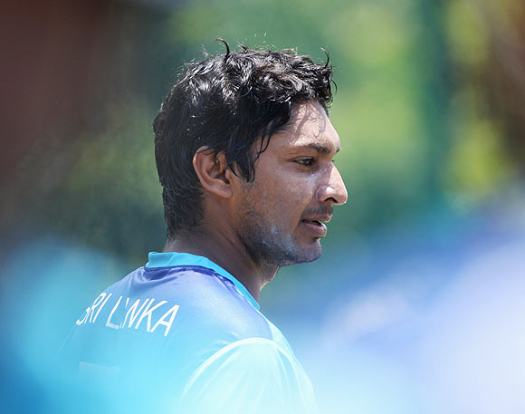 Sangakkara urges Lankans to maintain peace