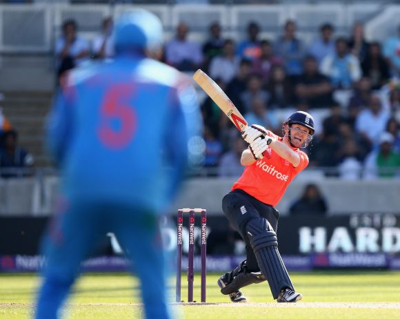 I backed myself to go for it, says defensive Dhoni - Rediff Cricket