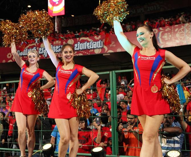 hot cheerleaders naked lesbians