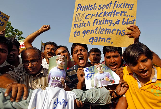 IPL spot-fixing: SC agrees to hear plea seeking players' names