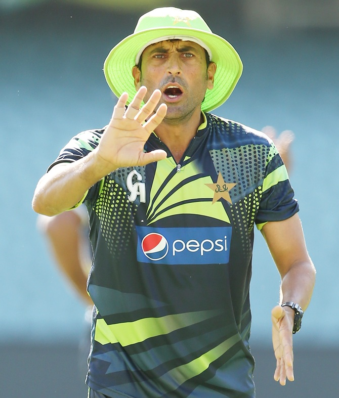When Pak batsman Younis held knife to Flower's throat!