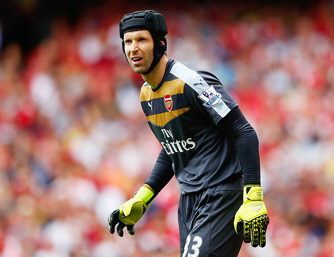 Rediff Sports - Cricket, Indian hockey, Tennis, Football, Chess, Golf - Football Extras: Arsenal goalkeeper Cech to retire at end of season