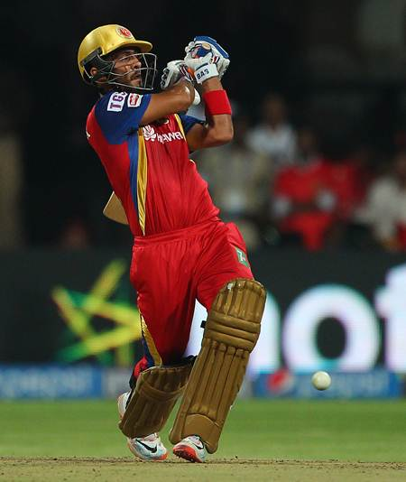 Mandeep Singh bats during the IPL